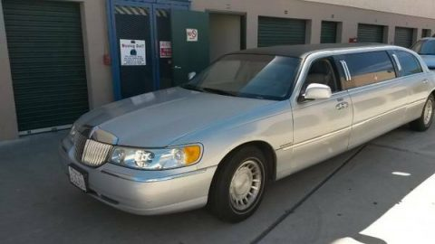 new parts 2000 Lincoln Town Car limousine for sale