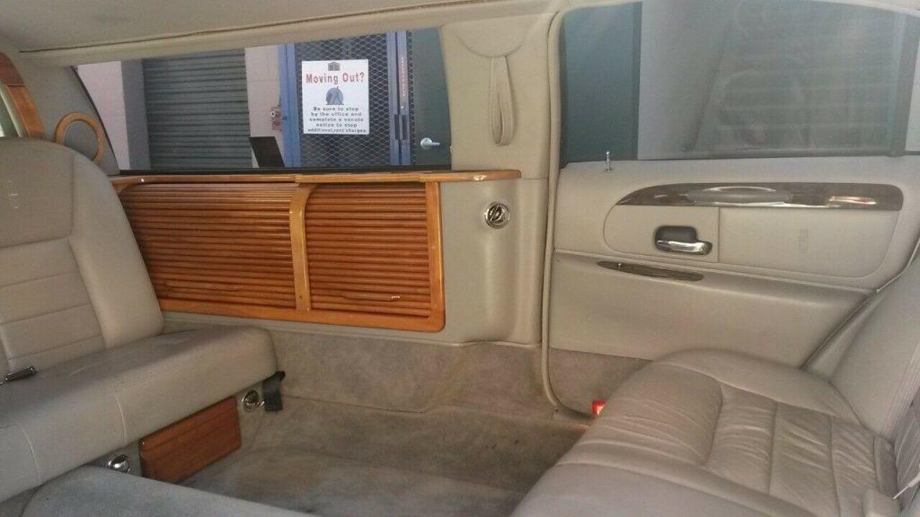 new parts 2000 Lincoln Town Car limousine