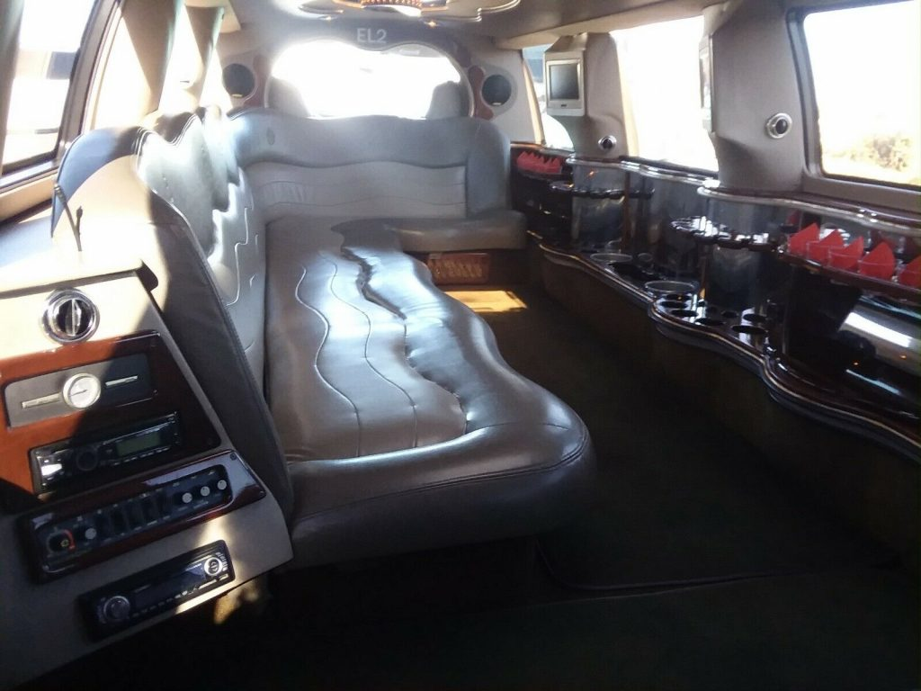 no issued 2003 Ford Excursion Limousine