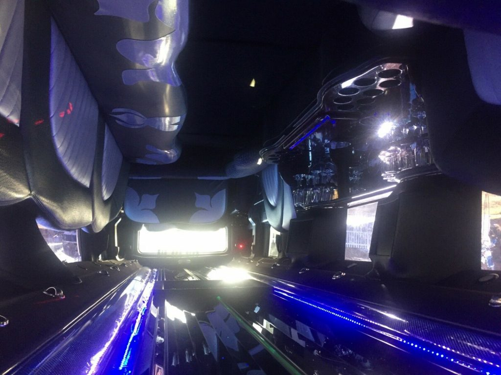 clean 2007 Hummer H2 Stretch Limousine