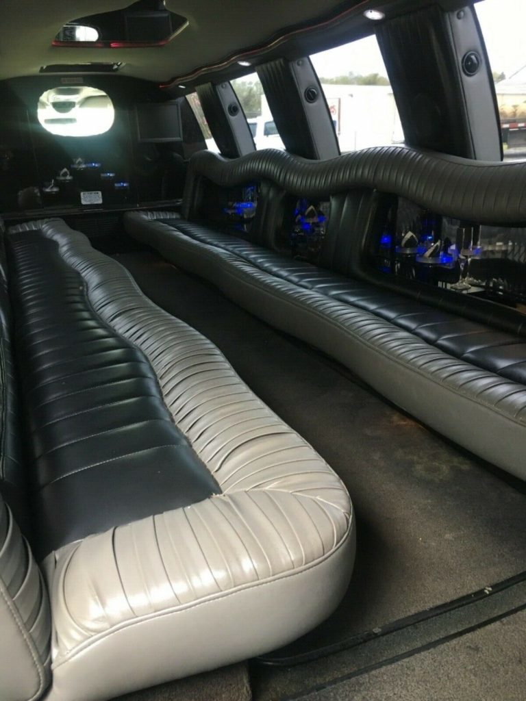 great shape 2005 Ford Excursion limousine
