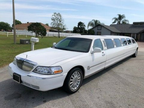 upgraded 2005 Lincoln Town Car LIMOUSINE for sale