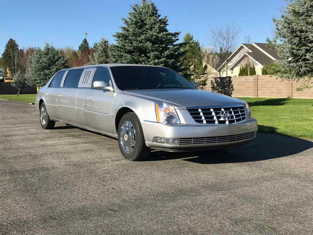 very clean 2008 Cadillac DTS Limousine
