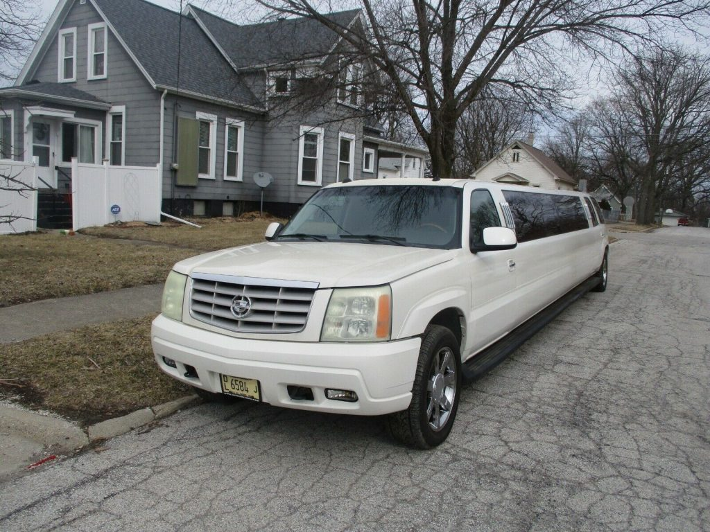 well maintained 2005 Cadillac Escalade LIMOSUINE