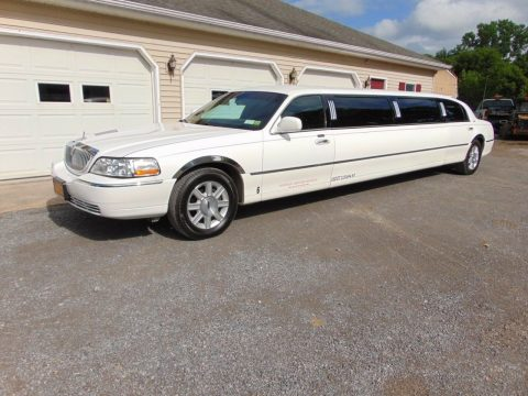 well serviced 2007 Lincoln Town Car Limousine for sale