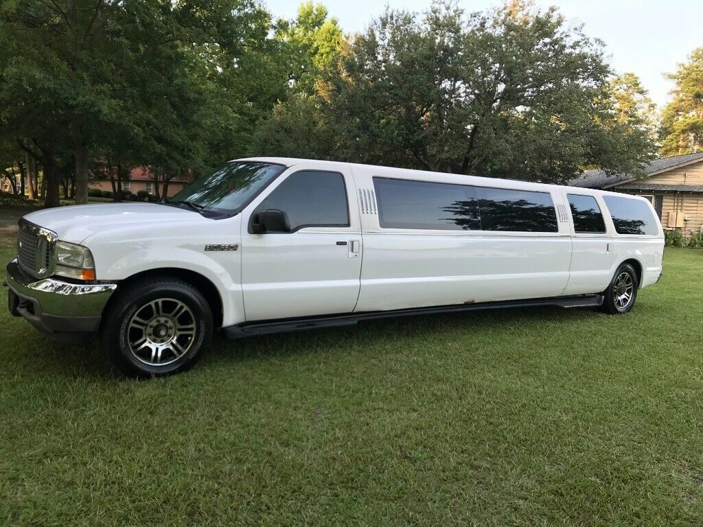 great working 2003 Ford Excursion Limousine