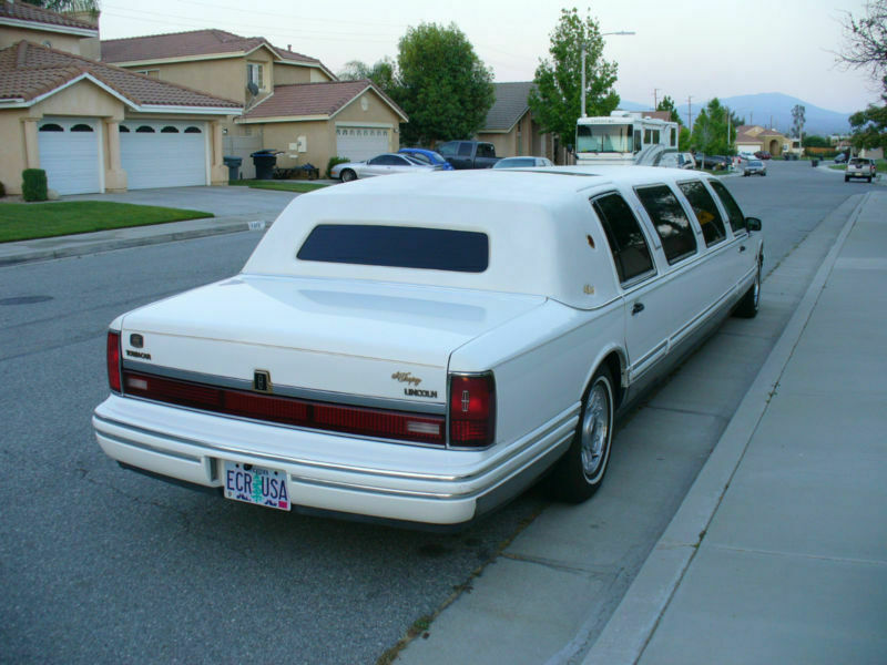 low miles 1994 Lincoln Town Car limousine