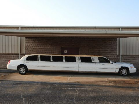 super stretch 2003 Lincoln Town Car Exectutive Limousine for sale