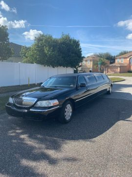 well maintained 2005 Lincoln Town Car Executive L Limousine for sale