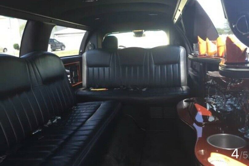 well maintained 2005 Lincoln Town Car Executive L Limousine
