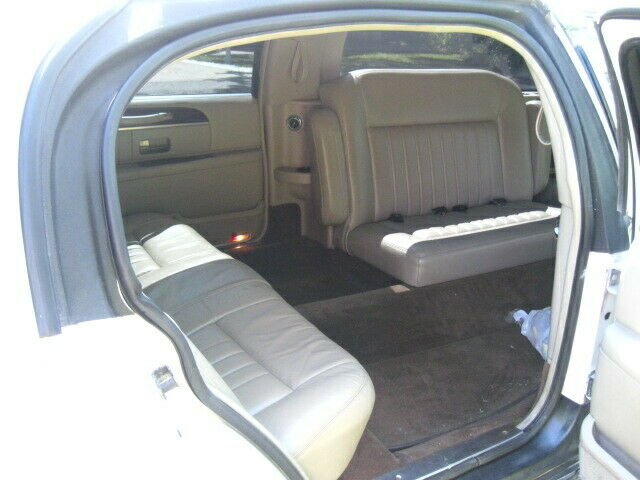 well maintained 2010 Lincoln Town Car limousine