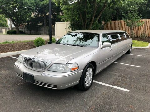 well serviced 2011 Lincoln Town Car Limousine for sale