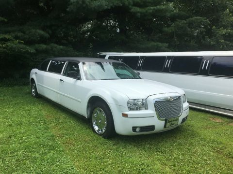 good running 2005 Chrysler 300 Series limousine for sale