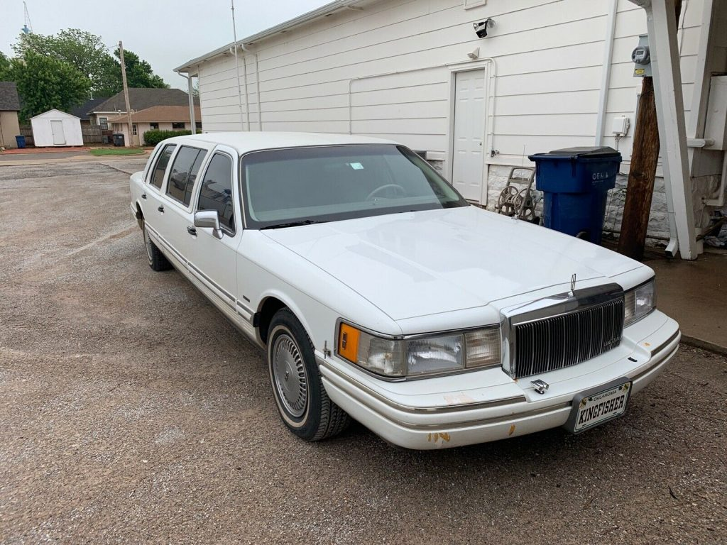 low Miles 1991 Lincoln Town Car Limousine