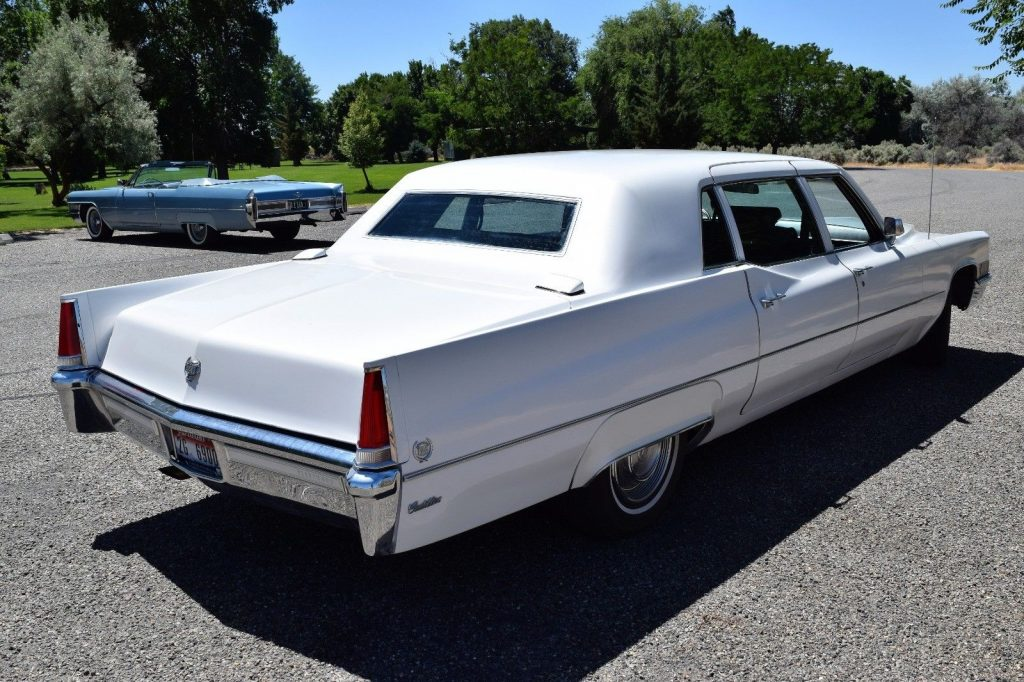 very nice and clean 1969 Cadillac Fleetwood Limousine