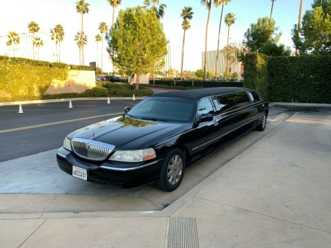 well equipped 2005 Lincoln Town Car Executive L limousine for sale