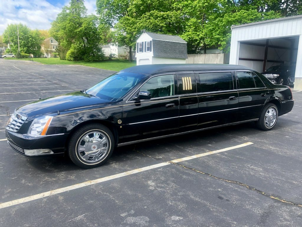 loaded 2009 Cadillac DTS Limousine