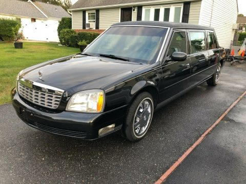 low miles 2004 Cadillac Deville 6dr Funeral CAR LIMOUSINE for sale
