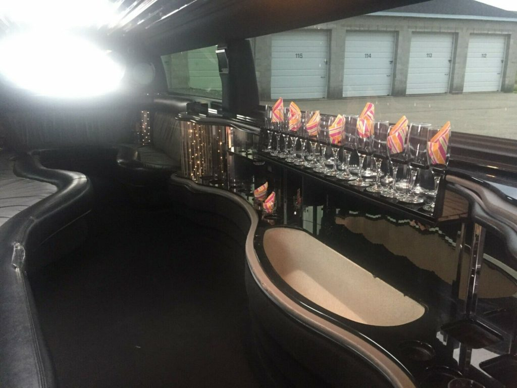 very nice 2005 Hummer H2 Stretch Limousine