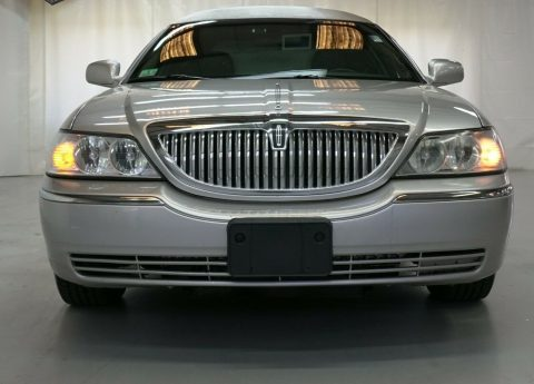 comfortable 2008 Lincoln Town Car Federal Coach Limousine for sale