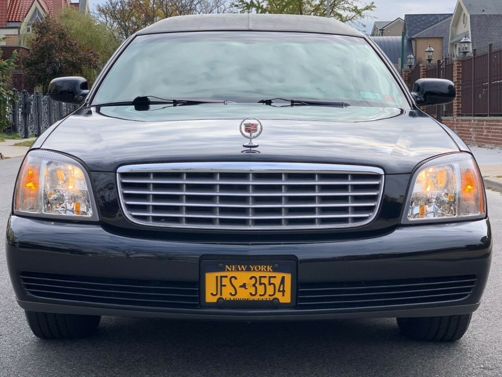 welll equipped 2003 Cadillac Deville Federal Coach Limousine