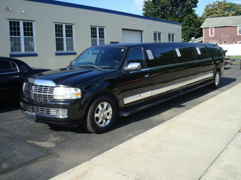 some blemishes 2008 Lincoln Navigator Limousine for sale