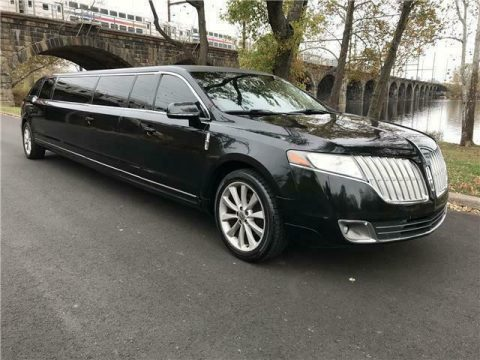 very clean 2012 Lincoln MKT Limousine for sale