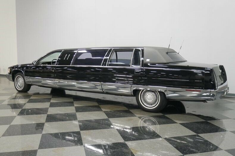 low miles 1995 Cadillac Fleetwood Limousine