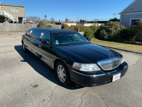great shape 2007 Lincoln Town Car limousine for sale
